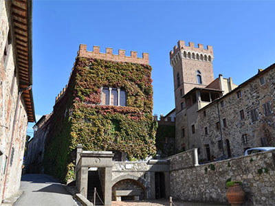 castello querceto toscana